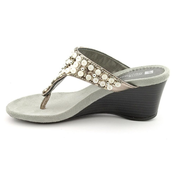 Shop Women S Shoes White Mountain Shoes Niche Sandal